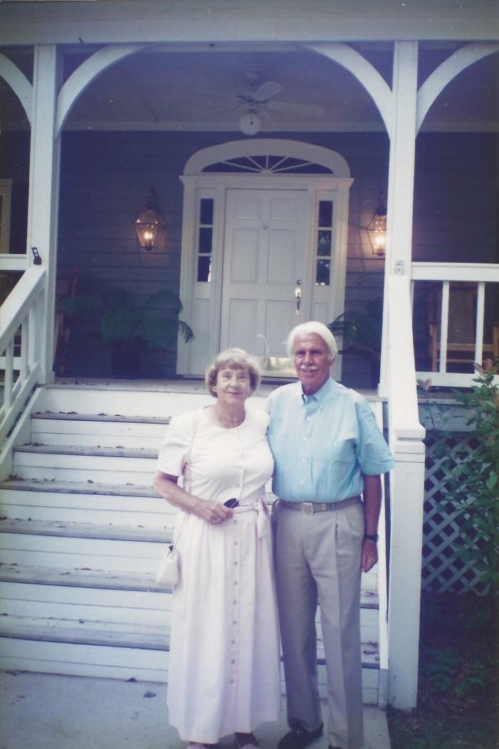 Wentz, WB 1980s with Bettie - Bob & Doris house, Hilton Head, SC